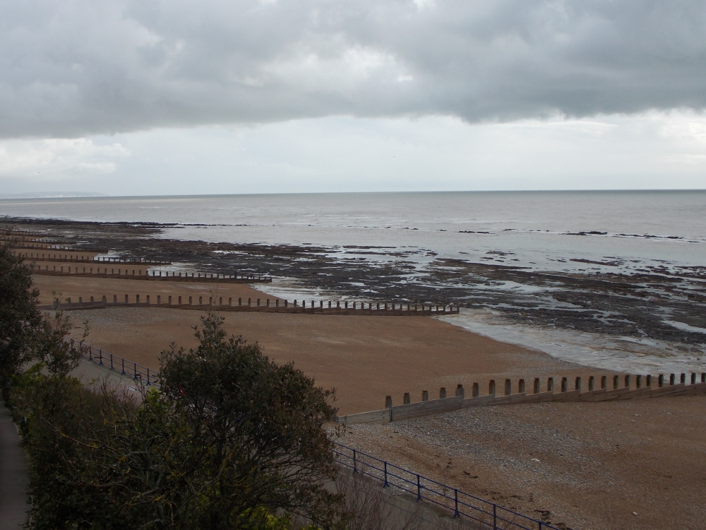 /holywell_eastbourne_looking_east.jpg/